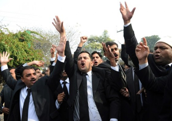 Pakistani lawyers shout slogans in suppo