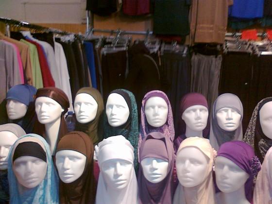 bourget.hijab