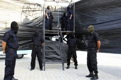 Hamas manning gallows in Caza, October 2013