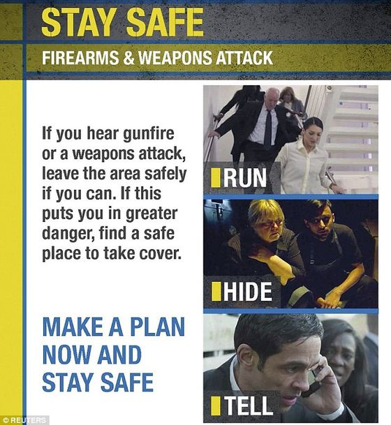 2377DA3000000578-2849057-Police_have_been_handing_out_leaflets_telling_people_to_run_hide-125_1416934174670