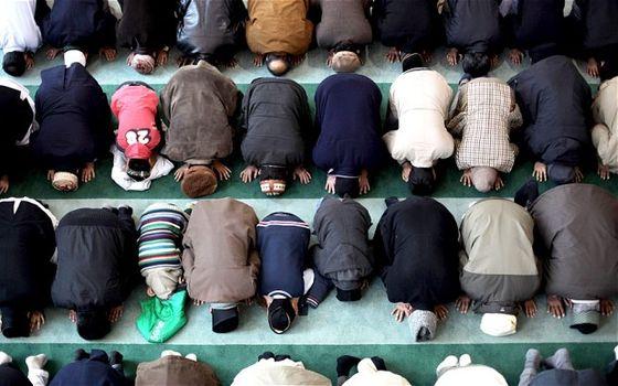 islam-prayer_2605709b
