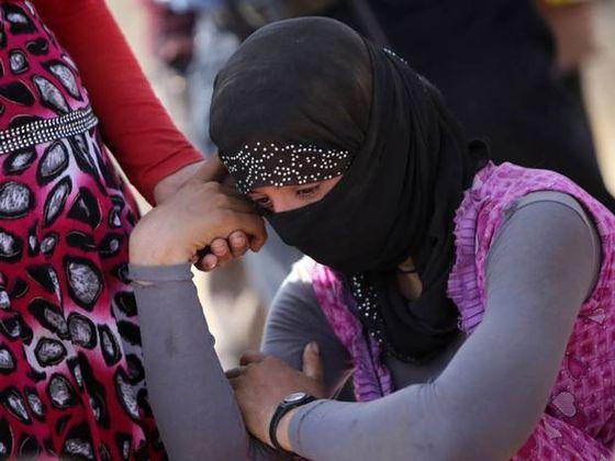 15-Yazidi-Woman-AFP