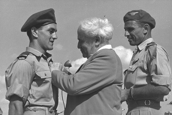 Ben_Gurion_-_Israel_Air_Force1950