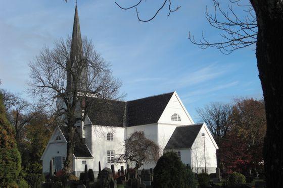 Sandar_kirke