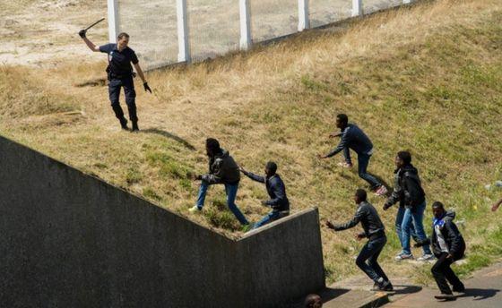 la-caccia-ai-migranti-di-calaisorig_main