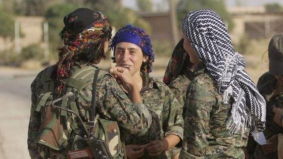 kurdisk.kvinnelige.krigere