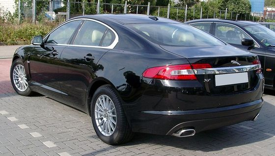 Jaguar_XF_rear_20080731