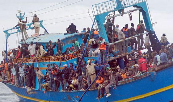 migrants-ship-596265