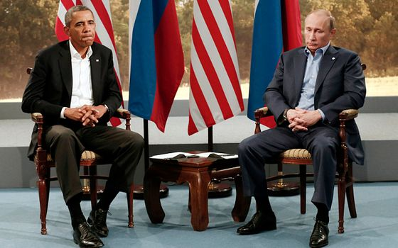 Obama meets with Vladimir Putin during the G8 Summit at Lough Erne in Enniskillen...U.S. President Barack Obama (L) meets with Russian President Vladimir Putin during the G8 Summit at Lough Erne in Enniskillen,  Northern Ireland June 17, 2013.   REUTERS/Kevin Lamarque   (NORTHERN IRELAND - Tags: POLITICS TPX IMAGES OF THE DAY)