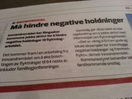 Lørdag 14. november gjøres det kjent i Hamar Arbeiderblad at motstand mot flyktningearbeidet ikke tåles av Innvandrerrådet i Ringsaker.