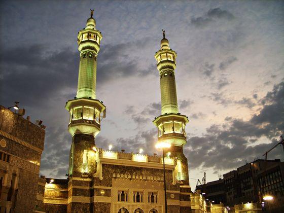 Minarets_in_Makkah_(Mecca)