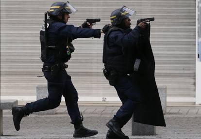 Paris jihadister arresteret Frankrig 2016