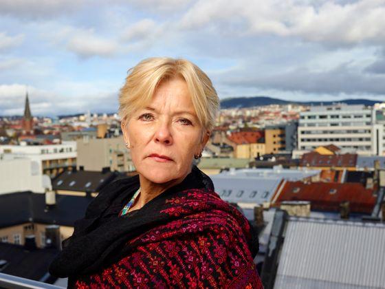 Liv Tørres Portrett generalsekretær Liv Tørres Portrett generalsekretær Liv Tørres Utsikt over byen, skyline, taket