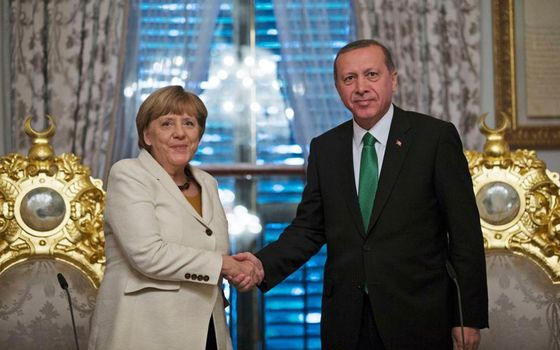 merkel_erdogan_istanbuljpg-thumb-large