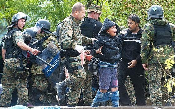 refugee-crisis-intensifies-along-macedonia-border