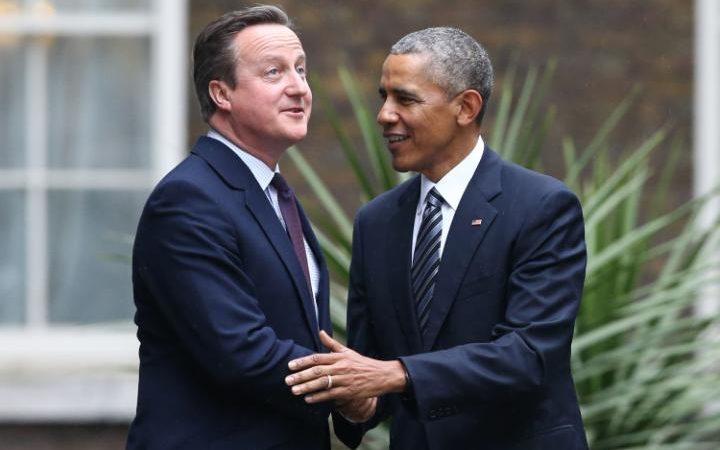 David_Cameron_greetsBarack_Obama-large_trans++ZgEkZX3M936N5BQK4Va8RWtT0gK_6EfZT336f62EI5U