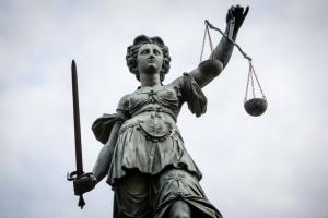 die-statue-der-justitia-am