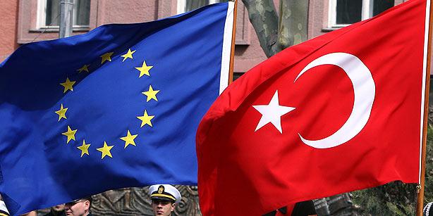 eu-tyrkia-flagg