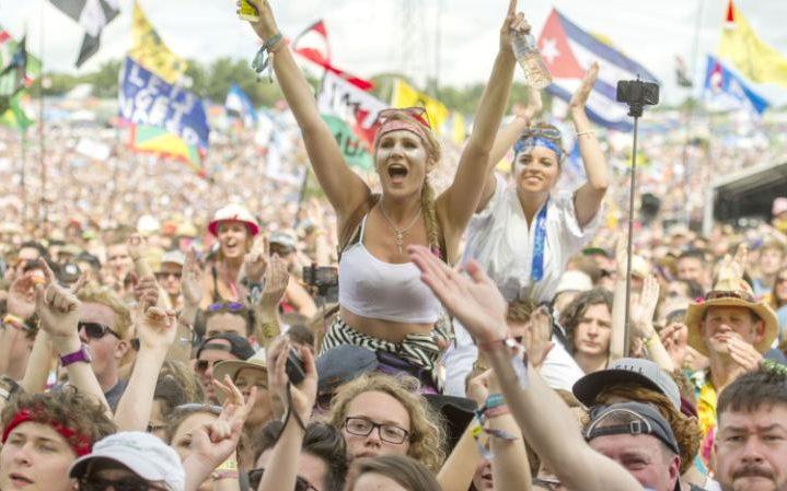Crowd-large_trans++nntzVh6i2V8vnWmVeYqabrgQYQDKVrQ5Lo9hlU6YQPw