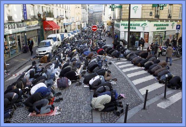 Paris-Muslim-Street-Prayers