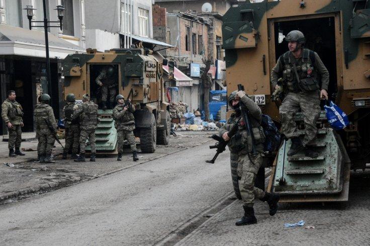 diyarbakir.turkish-soldiers-prepare-themselves-military-action