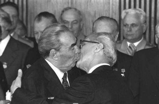 Breznev-Honecker_1979