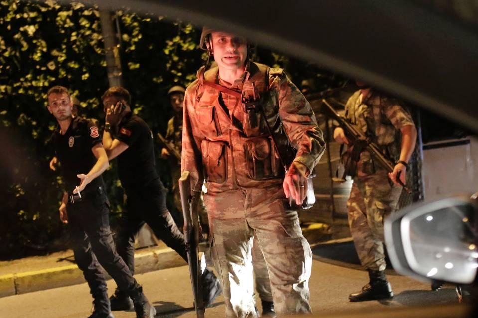 tyrkia.soldater.politi