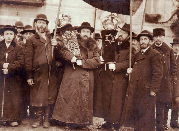 pic_J_E_Jews in Ukraine 1915 red