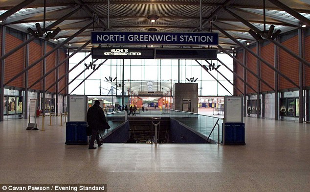 00335e0300000258-3859544-evacuated_north_greenwich_station_was_shut_after_the_alert_on_a_-a-184_1477057722251