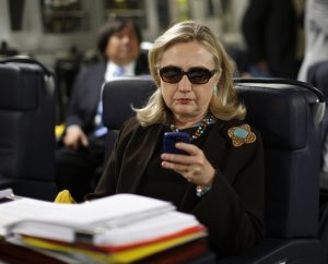 hillary-congress-blackberry