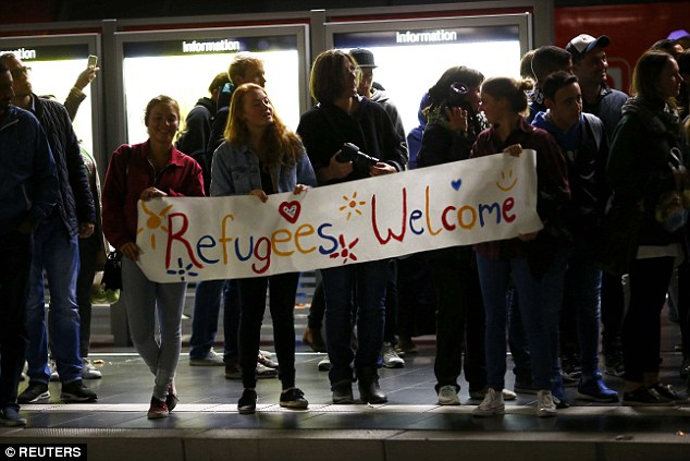 refugees-welcome5