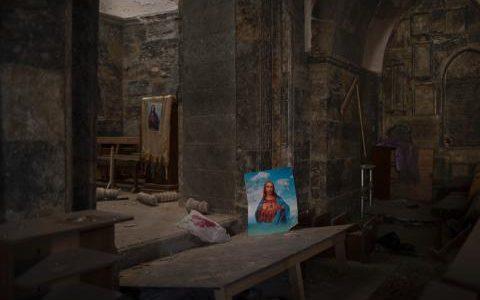 js113525780_ap_qaraqosh_church_jesus_portrait_-medium_transgsao8o78rhmzrdxtlqbjdebghfezvi1pljic_pw9c90