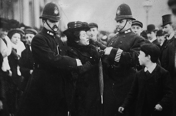 arrest-of-a-suffragette-london-1910-15
