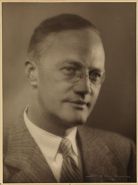 447px-portrett_av_sigurd_hoel_1950