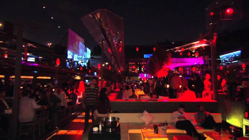 reina-club-restaurant-9