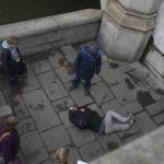 Terror i London – mann pløyde inn i fotgjengere