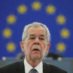 Østerrikes president: – Den dag kommer da ALLE kvinner må bruke hijab