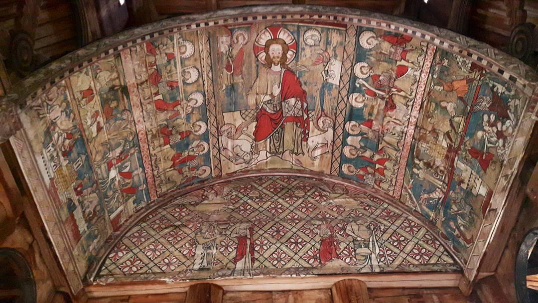 Avbildning på undersiden av baldakin i Torpo stavkirke