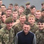 Tommy Robinson skremmer vannet av den britiske hæren