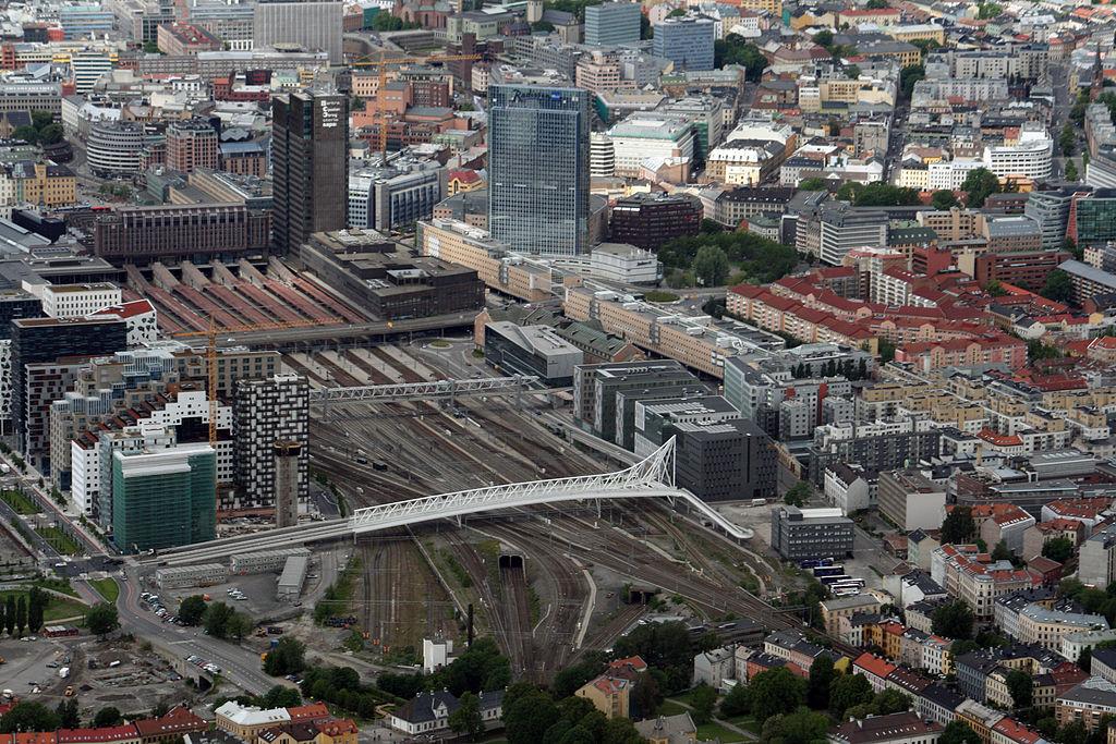 d8cf6a85 En alvorlig skadd etter knivstikking på tog ved Oslo S – Document
