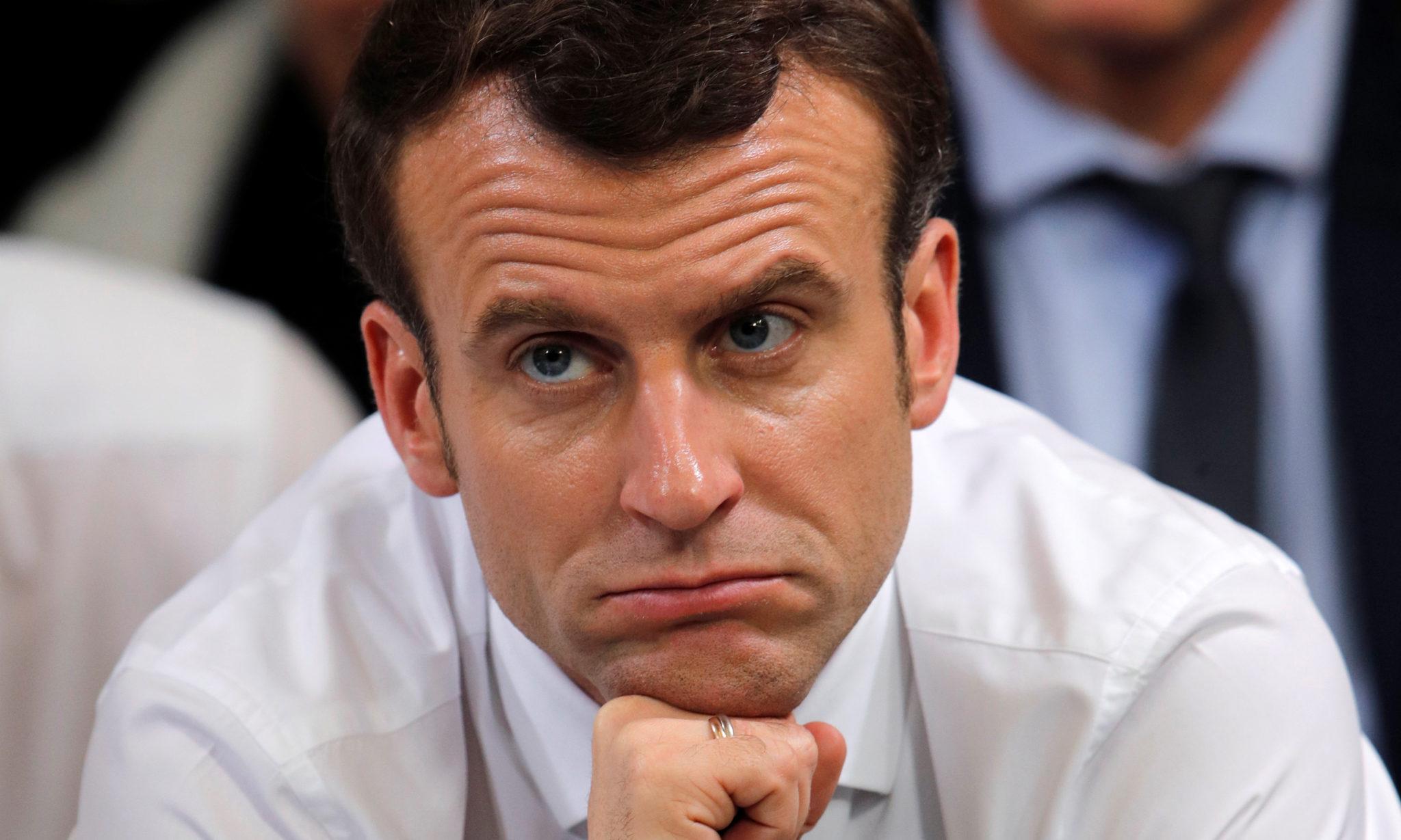 8b67c1bc Frankrikes president Emmanuel Macron deltar i et av de lokale møtene i den  «store nasjonale debatten» han tok initiativ til som følge av de gule  vestenes ...