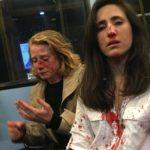 Lesbiske kvinner banket opp og ranet: Nektet å kysse foran menn