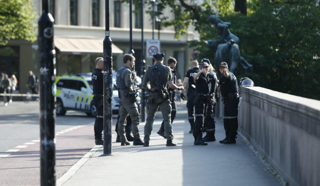 eff8e727 En person er pågrepet etter en knivstikking på Schous plass i Oslo. Foto:  Stian Lysberg Solum / NTB scanpix