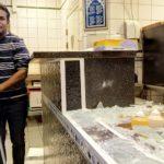 Abdul nektet å betale beskyttelsespenger – maskerte menn angrep familien og ramponerte pizzeriaen hans