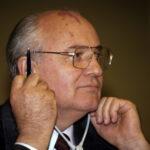 Gorbatsjov: – Jeg vet hvem som planla angrepet på Kongressen