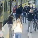 Irland sjokkeres av at en jente blir slått og havner under et tog
